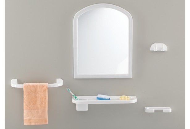 "Зеркало для ванной с аксессуарами 1+4 ""Bosfor"" Tombo TP-2004"